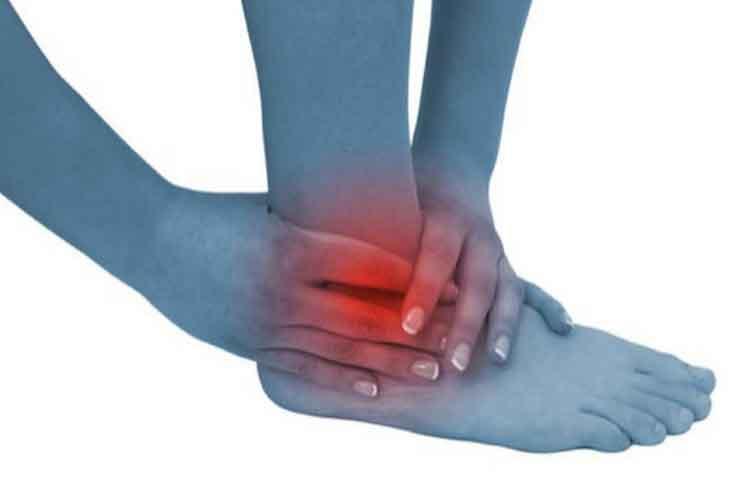 Artrosi caviglia, perché non sottovalutare il dolore